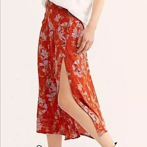 FREE PEOPLE MIDI FLORAL SKIRT BUTTONS & SIDE SLIT